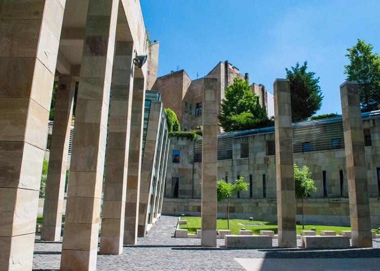 budapest-holocaust-memorial-2