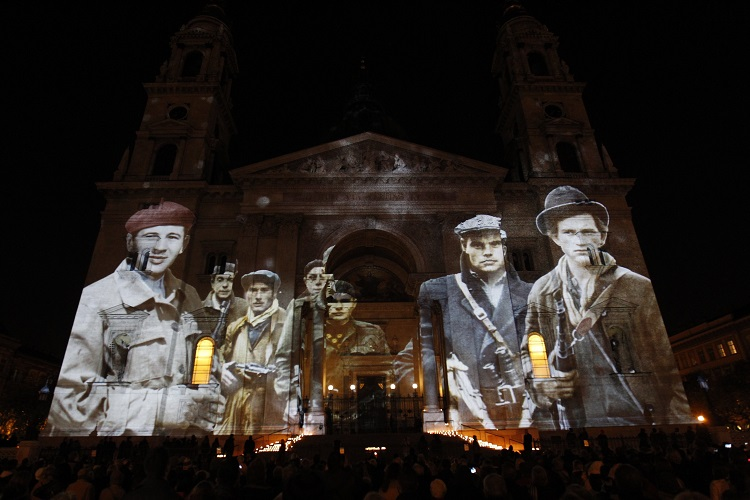 Spectacular Light Painting On Facade Of St. Stephen Basilica Commemorates 1956 Heroes – Video! post's picture