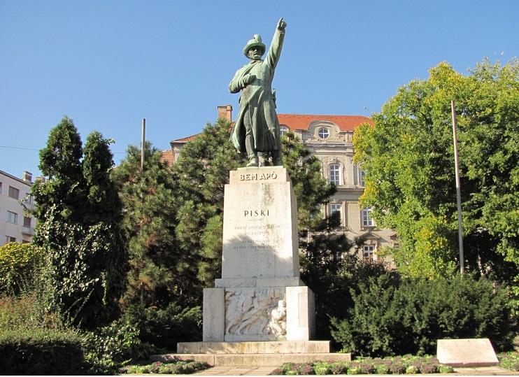 """Budapest's Statue of """"Bem Apó"""""""