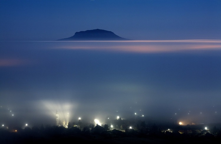 Fog over the Káli Basin. Photo- László Novák