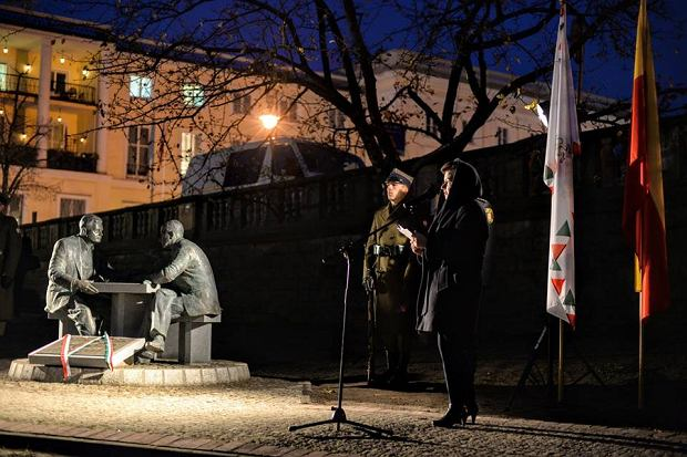 Monument Of Henryk Sławik And József Antall Sr Unveiled In Warsaw post's picture