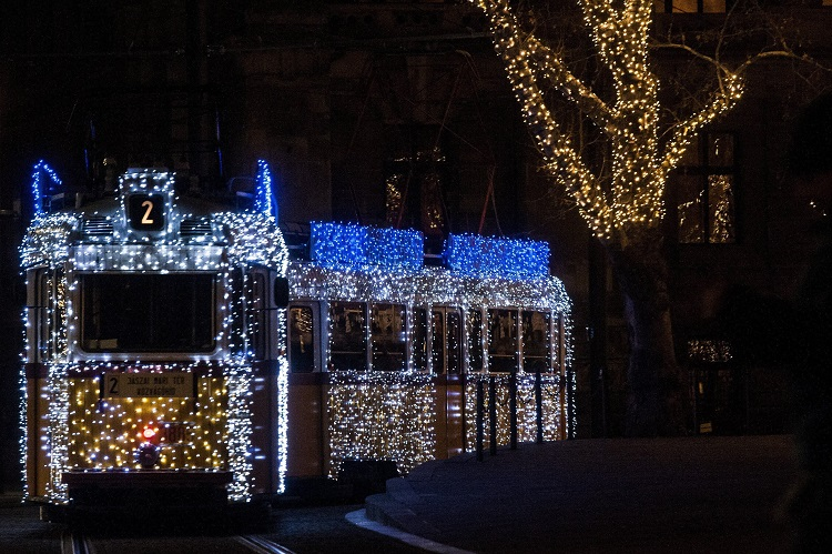 Budapest Celebrates Holidays With Spectacular Christmas Trams – Schedule! post's picture