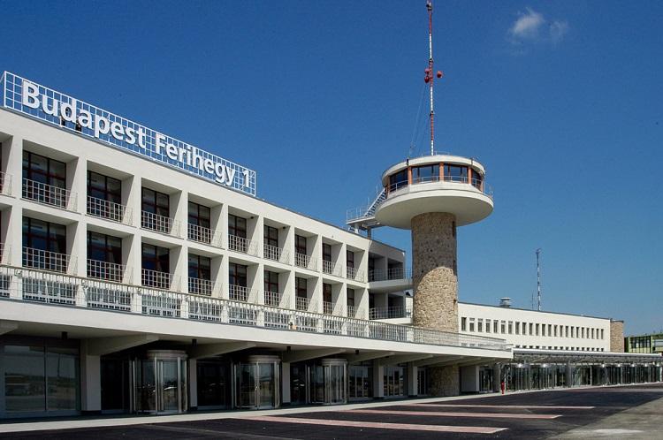 58 éve, 1950. május 7-én nyílt meg a Ferihegyi repülõtér 1-es terminálja.
