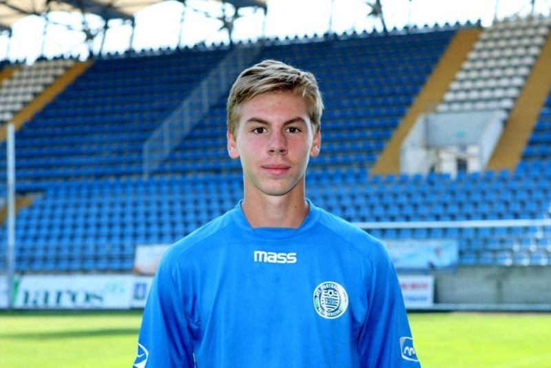 Football: Wolves Sign 17-Year-Old Hungarian Defender After Chelsea Trial post's picture