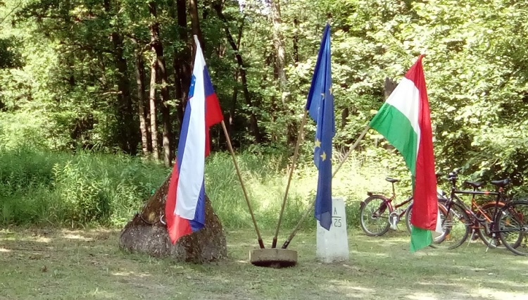 Exhibition Opens To Mark Independence Of Slovenia And Good Hungarian-Slovenian Ties post's picture