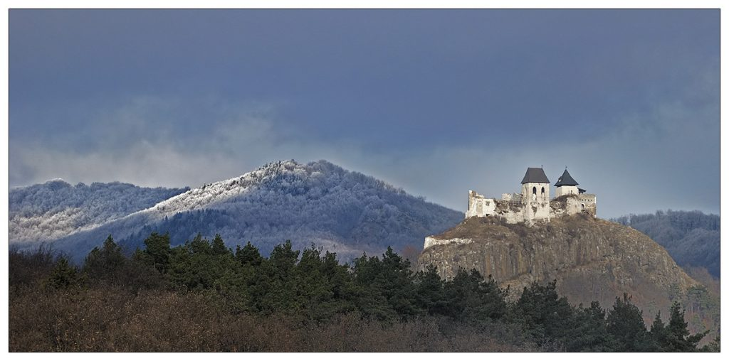 Almost Time Travel – Video About The Fascinating Fortress Of Füzér in Winter post's picture