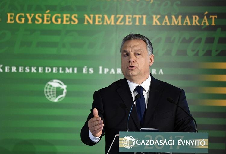 Budapest, 2017. február 28. Orbán Viktor miniszterelnök beszédet mond a Magyar Kereskedelmi és Iparkamara gazdasági évnyitóján a Boscolo Budapest szállodában 2017. február 28-án. MTI Fotó: Koszticsák Szilárd