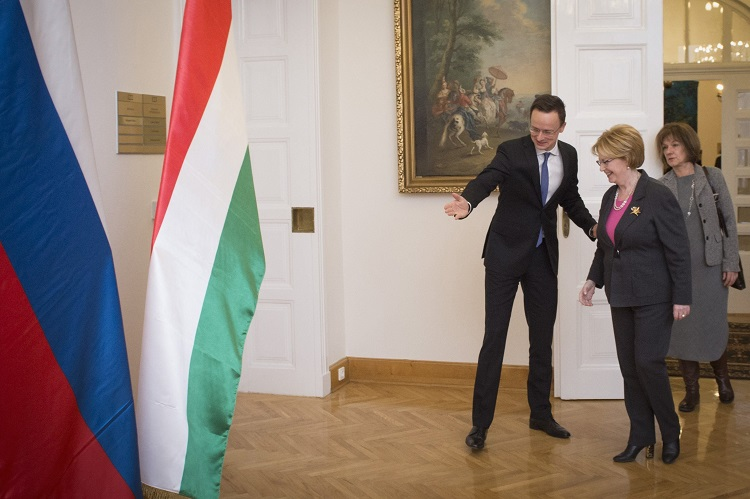 """Foreign Minister Hails """"Pragmatic"""" Hungary-Russia Relations As Opposition Angered Over Putin's Visit post's picture"""