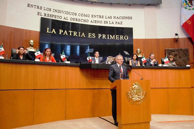 Mexikóváros, 2017. február 3. Az Országgyûlés Sajtóirodája által közreadott képen Kövér László, az Országgyûlés elnöke felszólal a mexikói alkotmány elfogadásának 100. évfordulója alkalmából tartott szenátusi ünnepi ülésen Mexikóvárosban 2017. február 3-án. MTI Fotó: Országgyûlés Sajtóirodája