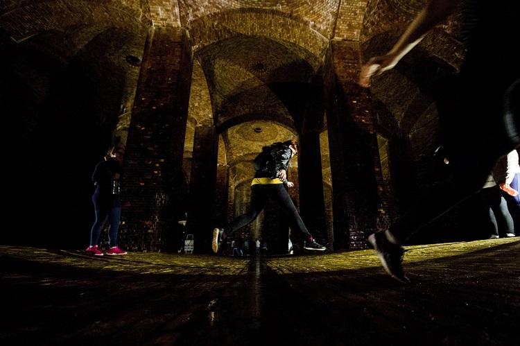Budapest, 2017. március 22. Érdeklõdõk a víz világnapja alkalmából ingyenesen látogatható Kõbányai víztározó medencében a X. kerületi Ihász utcában 2017. március 22-én. Az ENSZ március 22-ét nyilvánította a víz világnapjává, amelynek célja a környezet és ezen belül a Föld vízkészletének védelme. MTI Fotó: Balogh Zoltán