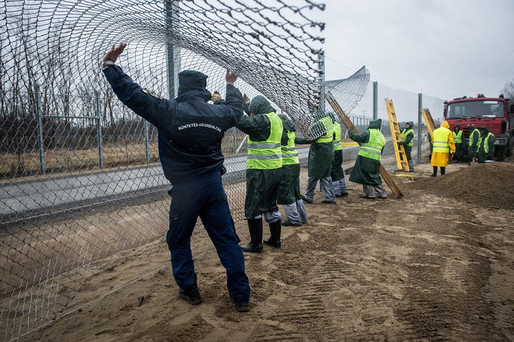 "Hungary Maintains ""State Of Emergency"" And Builds Second Anti-Migrant Fence On Border With Serbia – Update! post's picture"