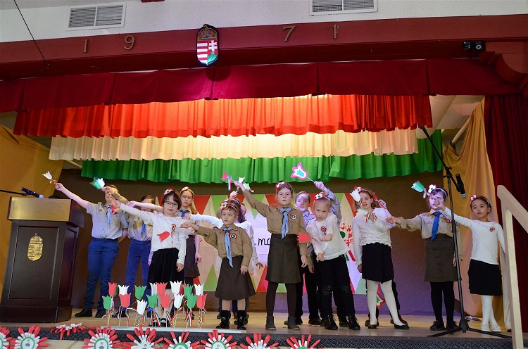 Hungarian Scouts and students of the local Hungarian school take part in Edmonton's commemoration of the 1848-49 Revolution and War for Independence (Image: Laszlo Szabo Facebook Page)