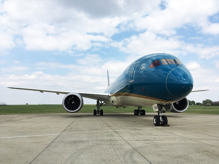Brand-New Luxurious Boeing Dreamliner Visited Liszt Ferenc Budapest Airport post's picture
