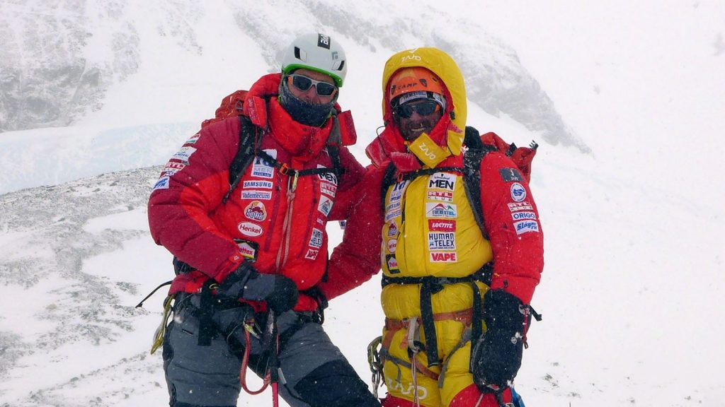 Everest Expedition Ends: Hungarian Climbers Turn Back Before Reaching Summit post's picture