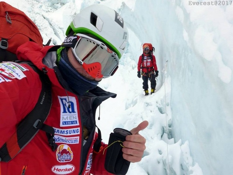 Hungarian Climbers On The Way Up To Conquer Mount Everest post's picture