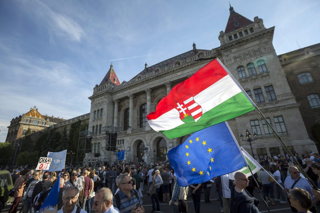 In Wake of European Parliament Resolution, Thousands Protest in Budapest Against 'Lex CEU' and Proposed Government NGO Restrictions post's picture