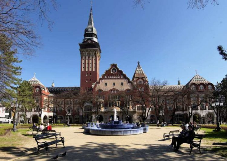 The cultural and intellectual capital of ethnic Hungarians in Vojvodina is the city of Subotica – Town hall (photo: szecesszio.szegedvaros.hu)