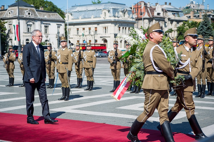 Austria's President Pays Official Visit To Hungary For Talks With Hungarian Counterpart, Prime Minister post's picture