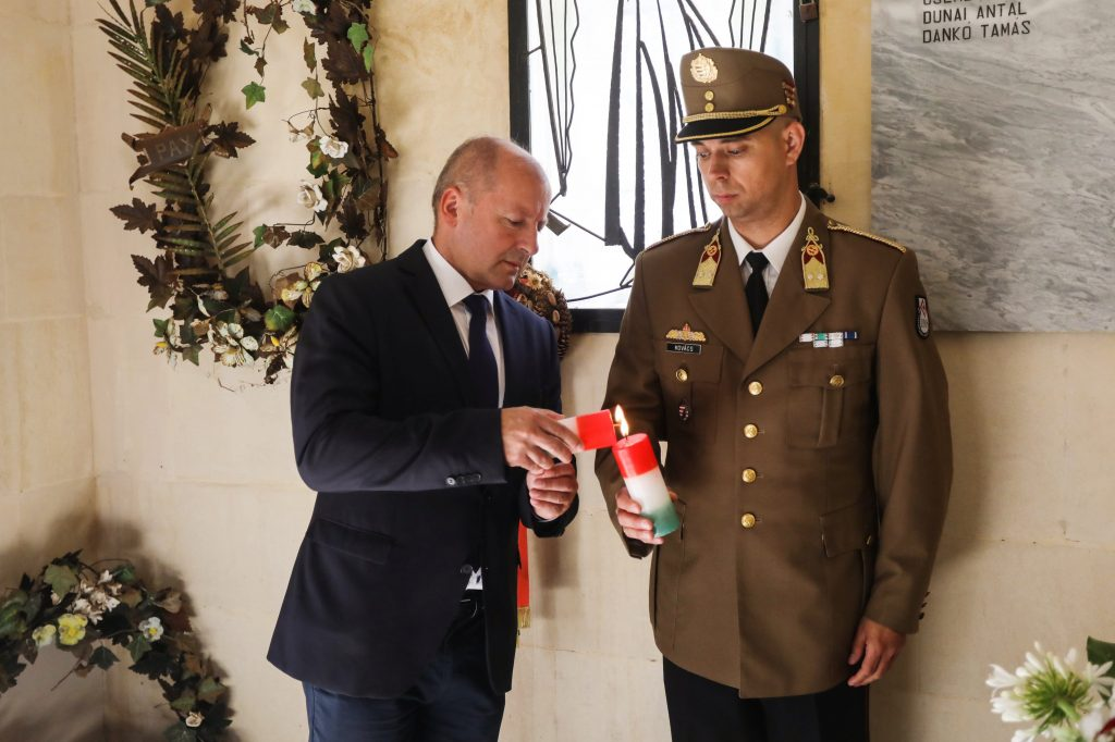"Working ""to grow the prestige of the Hungarian Defense Force"": Origo Interview with Defense Minister István Simicskó post's picture"