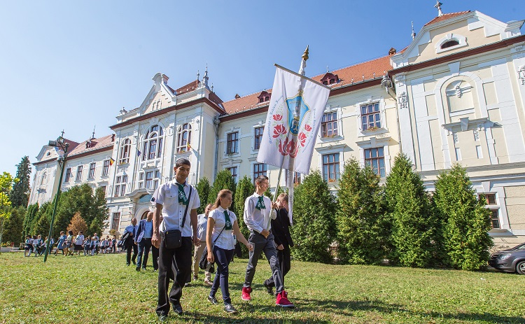 Hungary Supports Romania's OECD Membership As Bucharest Promises Solution For Transylvanian School Issue post's picture