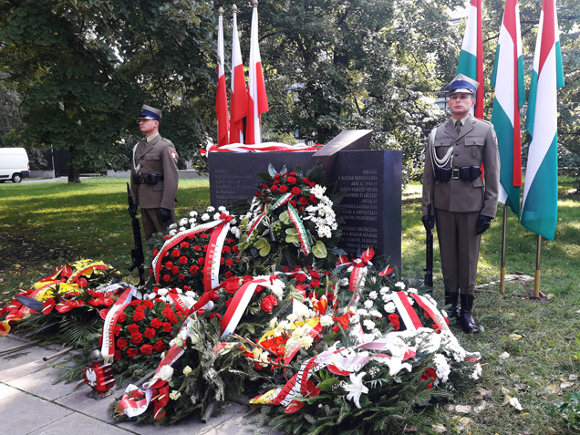 Monument Paying Tribute To Hungarians In 1944 Warsaw Uprising Unveiled post's picture