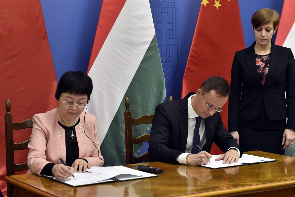 """Lex CEU"": China and Hungary Sign Agreement to Keep Chinese Medical University in Budapest post's picture"