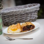 Gourmet Minutes: Old School Strudels, Modern Interior – Strudel Hugo Opens in Budapest's Party District