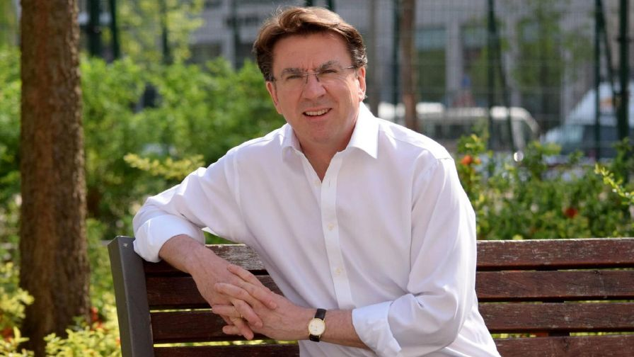 British Ambassador to Hungary Iain Lindsay Learns Folk Dances in London: Video! post's picture