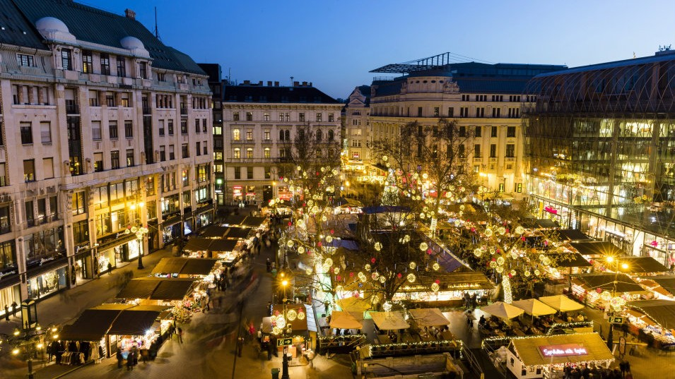 Christmas Fair In Budapest's Vörösmarty Square Has Been Opened – Video! post's picture