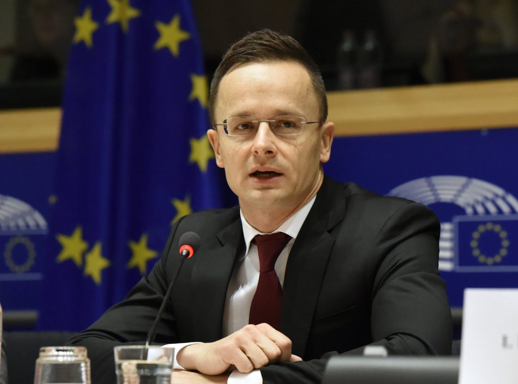 Szijjártó Snubs French Minister for Alleging Hungarians Left Out of Debate on Migration post's picture