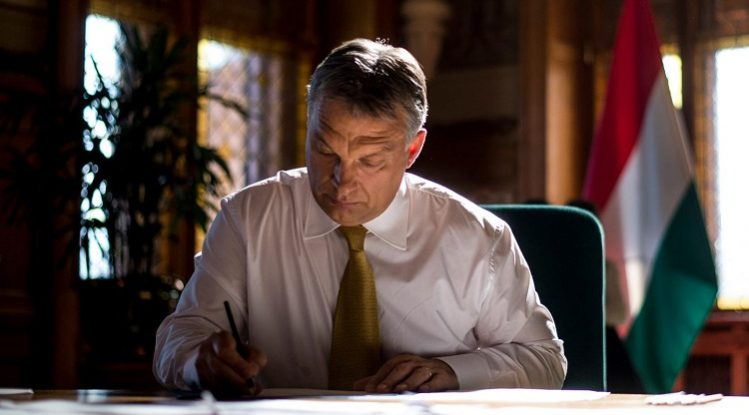 PM Orbán Expresses Sympathies over Notre Dame Fire post's picture