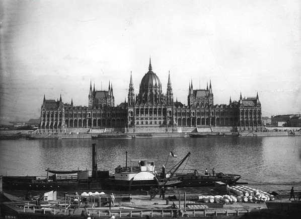 Nostalgic Journey to Budapest – Oldest Archive Video of the Capital post's picture