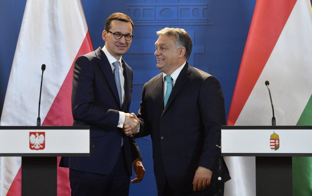 Analyse: la condition de l'état de droit de l'UE inchangée mais retardée et nuancée