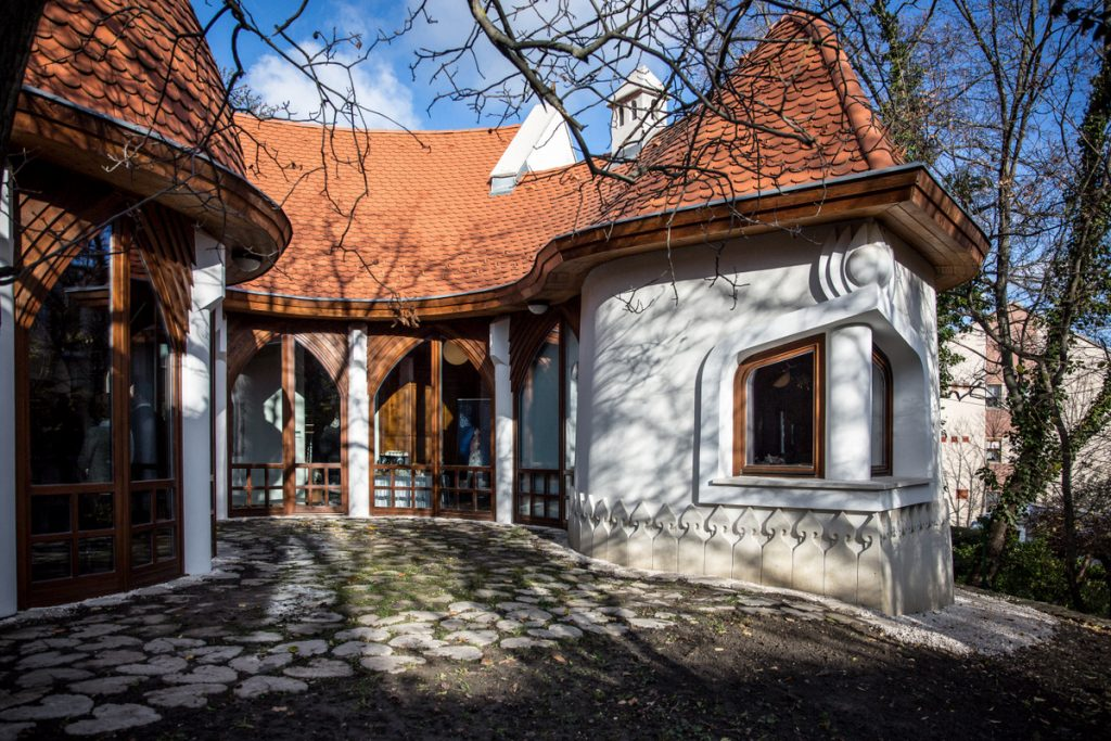 Hungarian Architect Imre Makovecz's Memorial House Opened to the Public