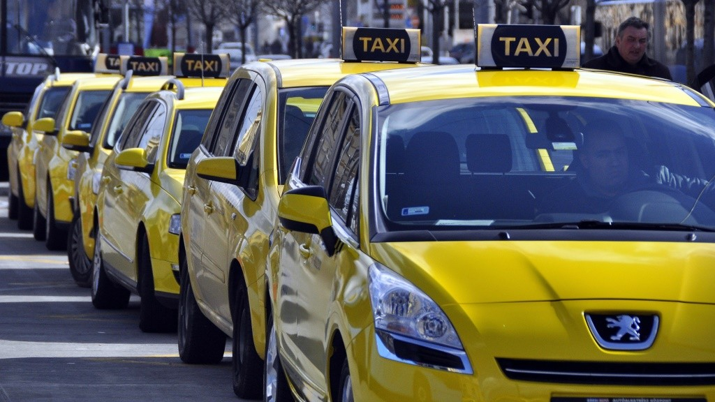 Budapest Taxi Drivers Request Fare Hike Starting in April post's picture