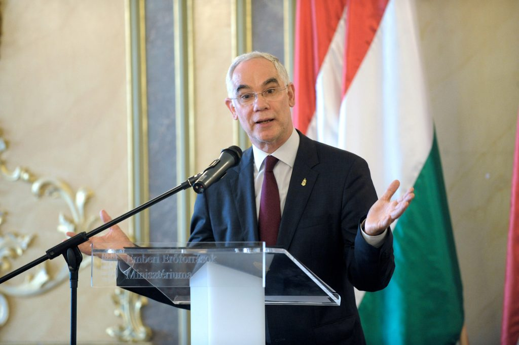 Zoltán Balog to Quit Human Resources Ministry post's picture