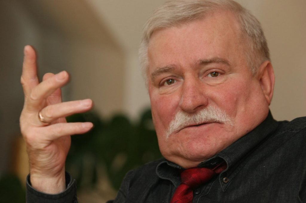 "Ex-Polish President and Nobel Laureate Lech Walesa Again Criticizes Orbán as a ""Demagogue"" post's picture"