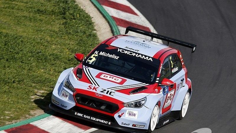 Hungarian Racing Driver Norbert Michelisz Opened Season with Electrical and Wheel Issues in Morocco post's picture