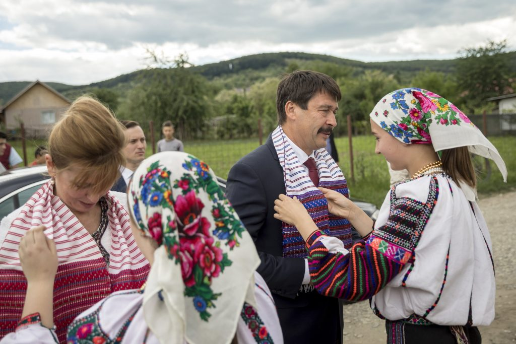 Áder First President to Visit Csángó Hungarians in Romania post's picture