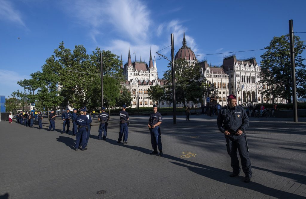 New Parliament Opens Amid Protests and Demonstrations post's picture