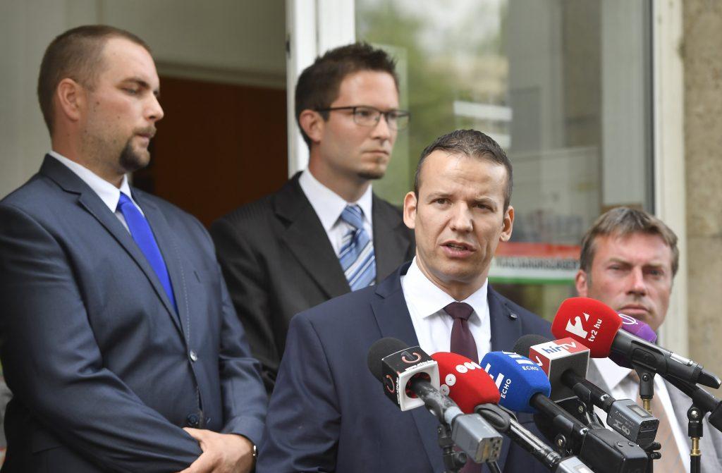 "Far-Right Toroczkai Announces New ""Platform"" Within Jobbik, Threatens ""Party Split"" post's picture"