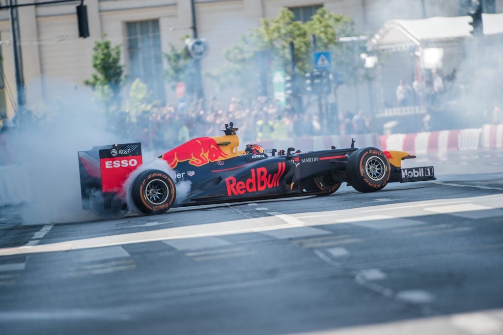 Jets, Stunt Planes and Race Cars – Budapest's May 1st Celebrations in Photos! post's picture