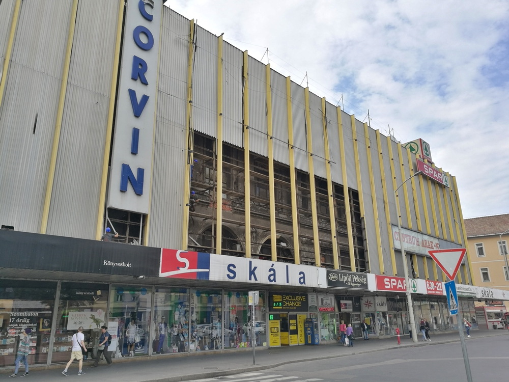 The Aluminium Facade of Corvin Supermarket Is Being Dismantled As Part of Blaha Square's Long-Awaited Renovation post's picture