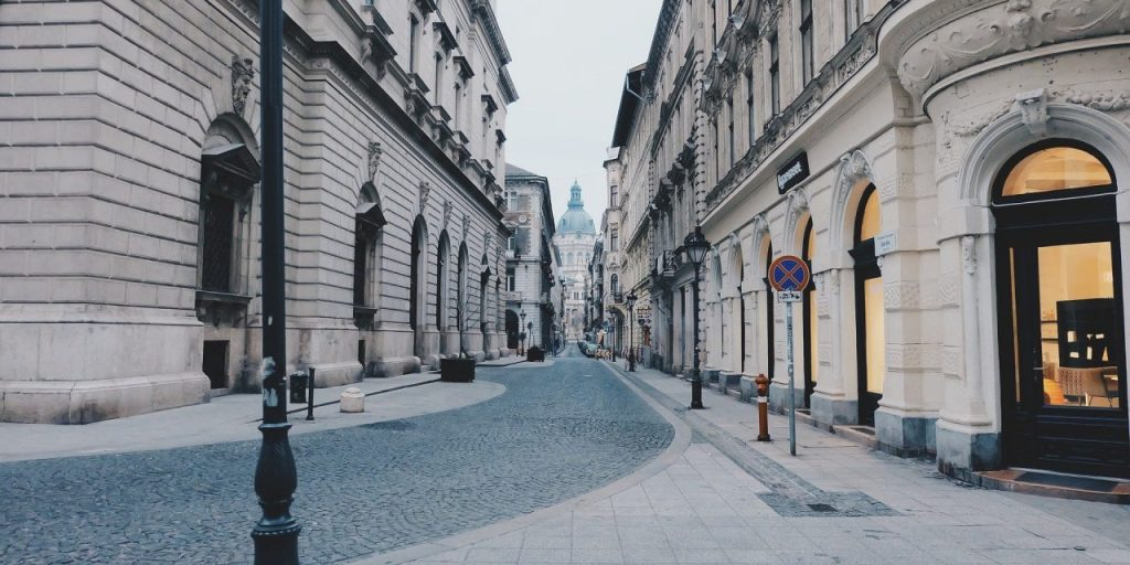 As Housing Prices Begin to Stagnate, Budapest Property Owners Face Disappointment post's picture