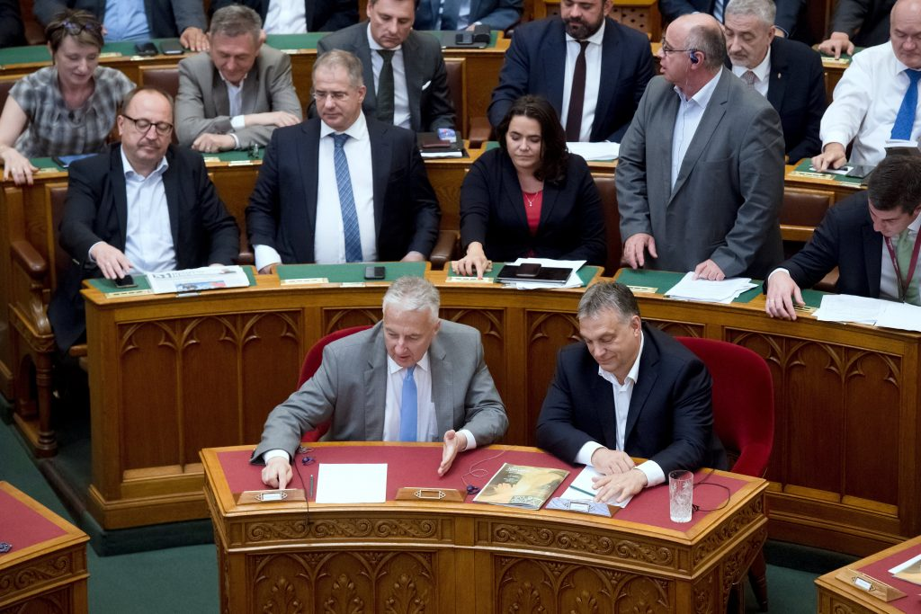 "Hungarian Parliament Passes ""Stop Soros"", Amendments Modifying Judiciary and Freedom of Assembly post's picture"