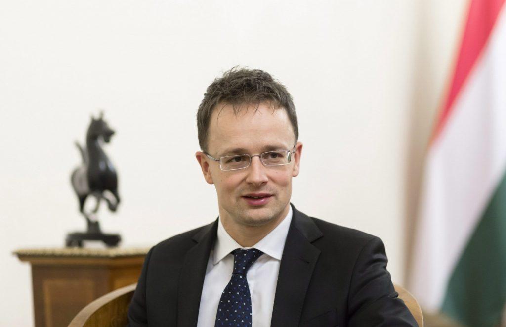 Szijjártó: Non-EU Hot Spots Key to Border Protection post's picture