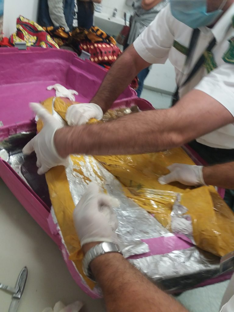 Hungarian Authorities Seize 14 kg of Heroin at Budapest Airport post's picture