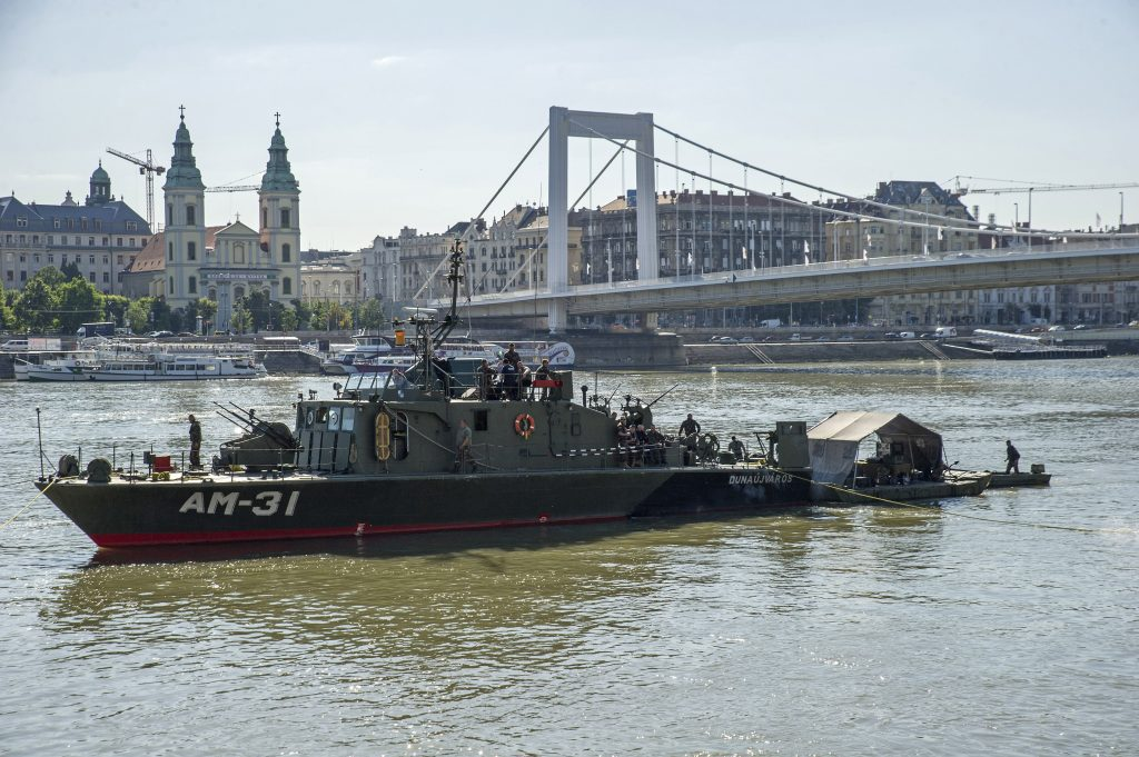 Ongoing Search for Unexploded WW2 Bomb in River Danube post's picture