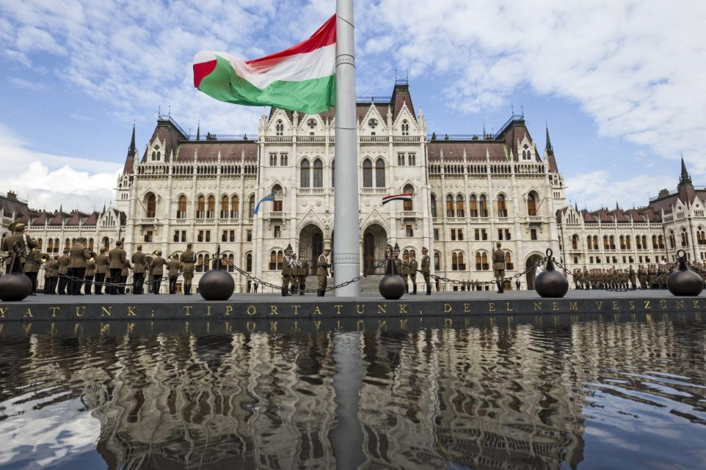Hungarian Politics: Shifting to the Right in Terms of Symbols and National Issues post's picture