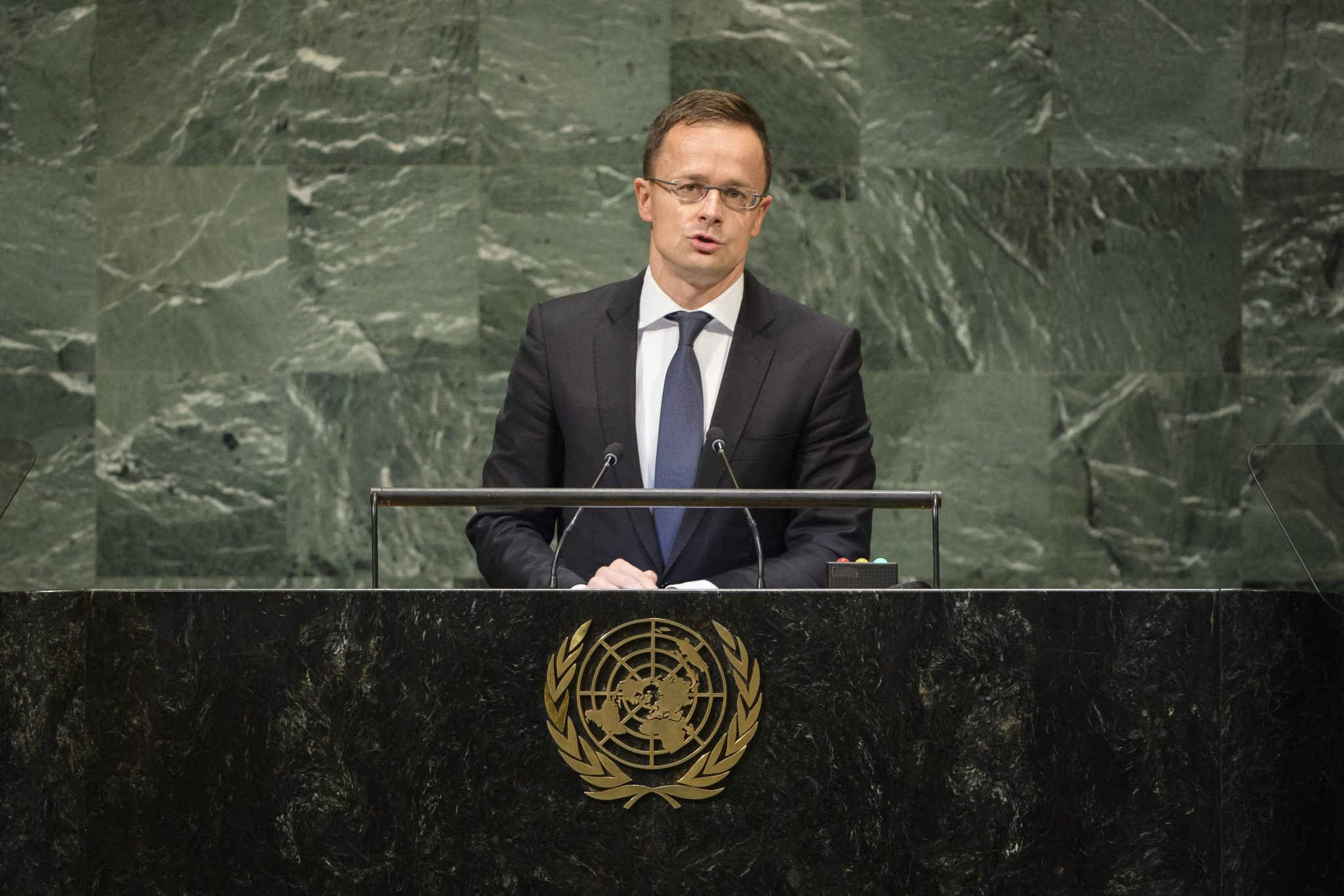 Szijjártó: UN Migration Pact 'Worst Possible Way' to Tackle Illegal Migration post's picture